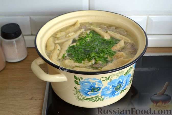 Фото приготовления рецепта: Суп с галушками - шаг №14