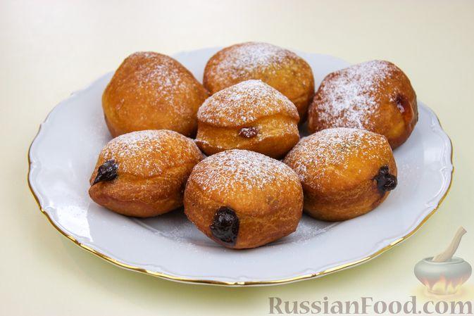 Фото приготовления рецепта: Воздушные пончики с начинкой - шаг №18