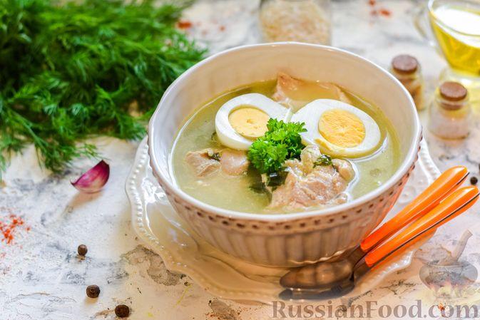 Фото к рецепту: Щи со щавелем и шпинатом
