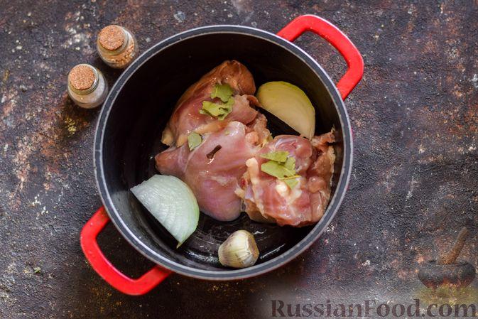 Фото приготовления рецепта: Щи со щавелем и шпинатом - шаг №3