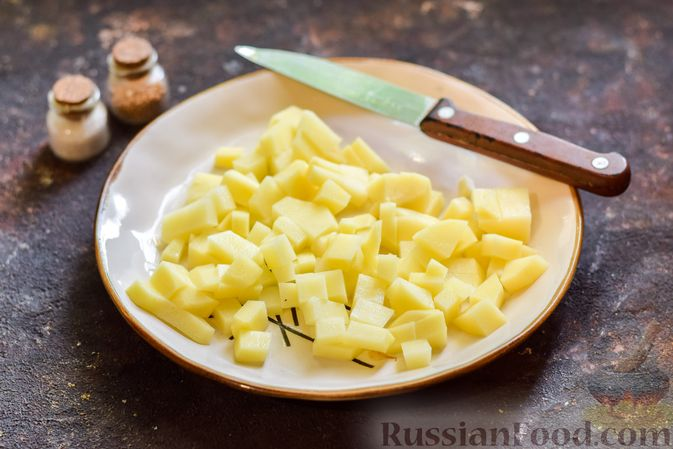 Фото приготовления рецепта: Щи со щавелем и шпинатом - шаг №7