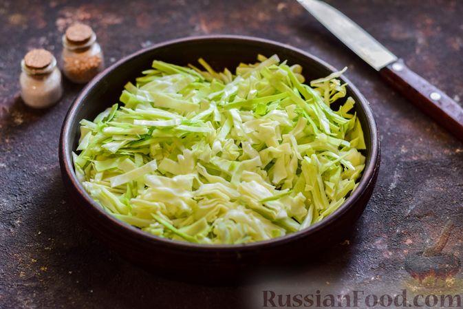 Фото приготовления рецепта: Щи со щавелем и шпинатом - шаг №8
