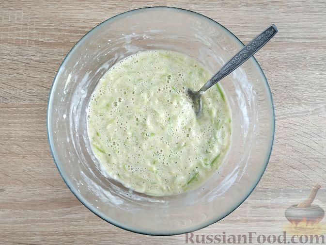 Фото приготовления рецепта: Запеканка из кабачка с мясными фрикадельками - шаг №9