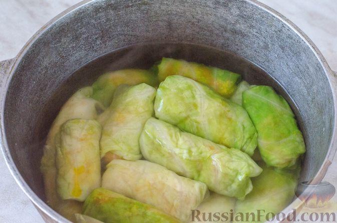 Фото приготовления рецепта: Голубцы с кукурузной крупой - шаг №16