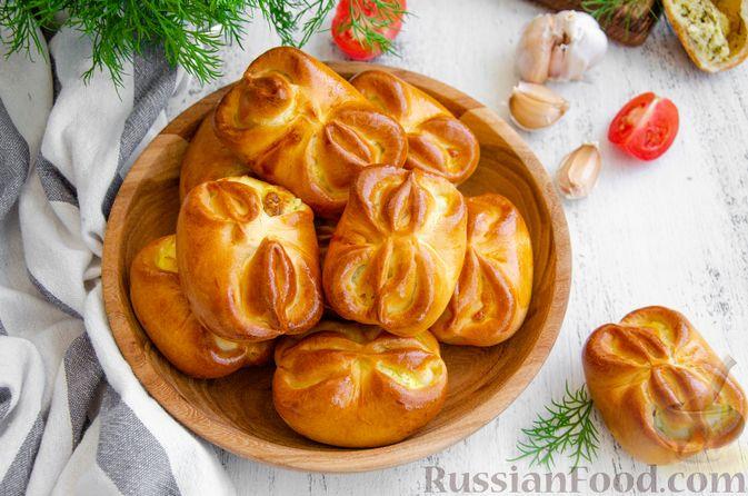 Фото приготовления рецепта: Булочки с творогом, сыром и зеленью - шаг №16