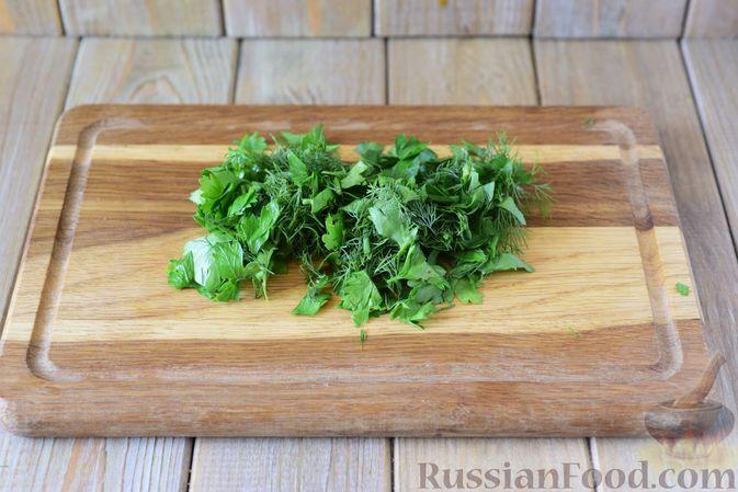 Фото приготовления рецепта: Говядина, тушенная с болгарским перцем и щавелем - шаг №11