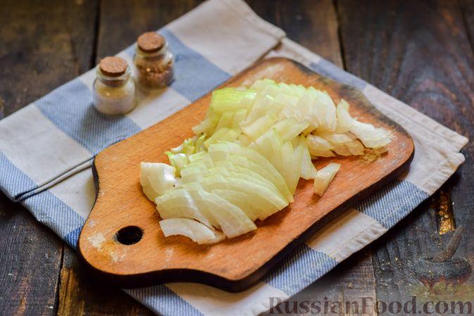 Фото приготовления рецепта: Голубцы с куриным фаршем и сладким перцем, запечённые в томатном соусе - шаг №18