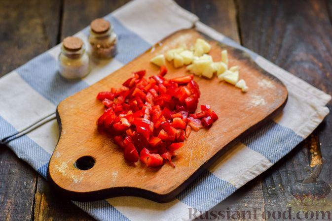 Фото приготовления рецепта: Голубцы с куриным фаршем и сладким перцем, запечённые в томатном соусе - шаг №20