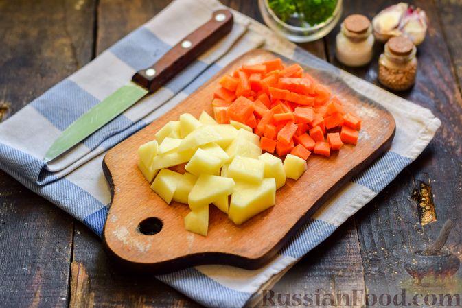 Фото приготовления рецепта: Cуп с копчеными ребрами и кабачками - шаг №2