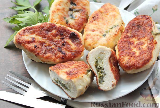Фото приготовления рецепта: Куриные зразы с творогом и шпинатом - шаг №18