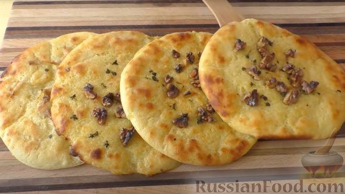 Фото к рецепту: Картофельные лепёшки с грецкими орехами и беконом