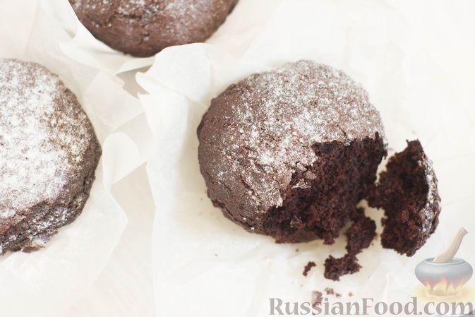Фото приготовления рецепта: Шоколадные кексы на растительном масле, без яиц - шаг №8