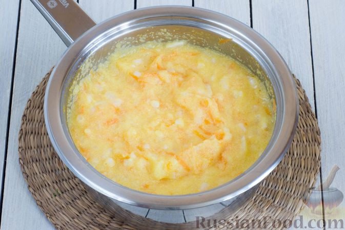 Фото приготовления рецепта: Кукурузная каша с овощами - шаг №5