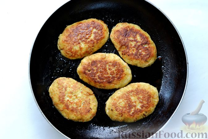 Фото приготовления рецепта: Котлеты из скумбрии - шаг №14