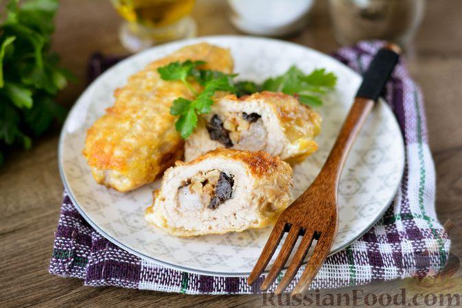 Фото приготовления рецепта: Свиные рулетики с черносливом и грецкими орехами - шаг №12