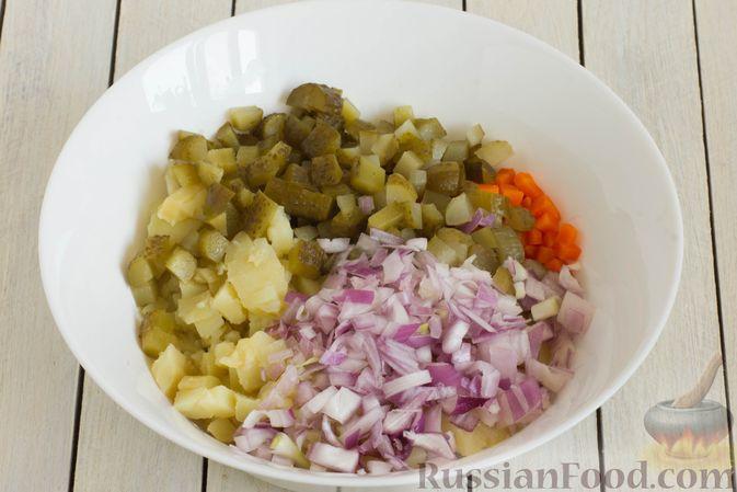 Фото приготовления рецепта: Винегрет с фасолью и краснокочанной капустой - шаг №7
