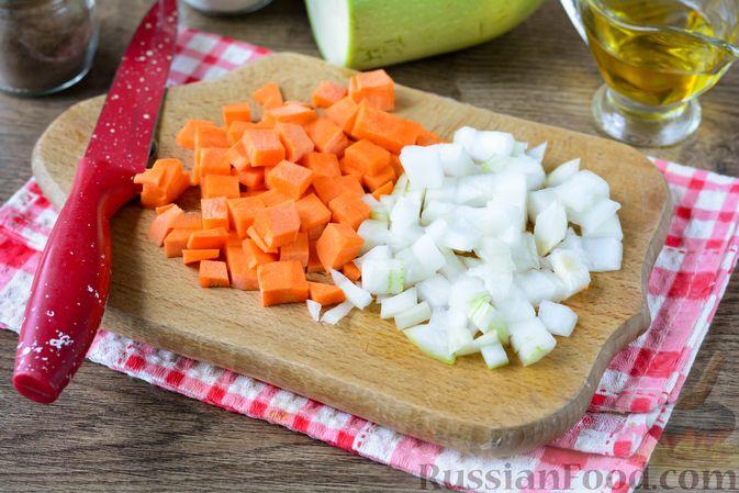 Фото приготовления рецепта: Гречка с кабачком и морковью - шаг №3