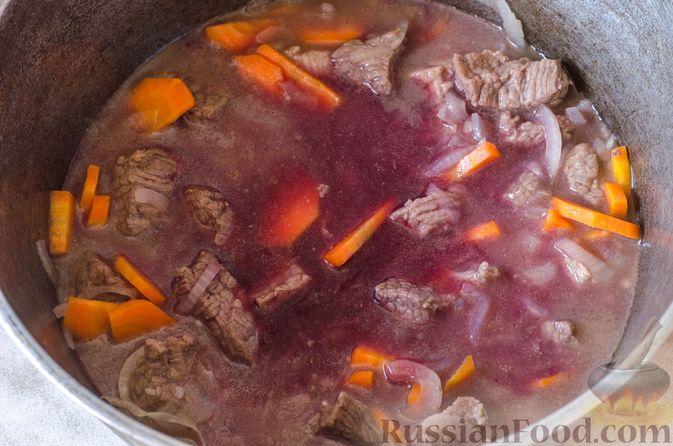 Фото приготовления рецепта: Рагу из говядины в томатном соусе, с картофельными ньокками - шаг №8