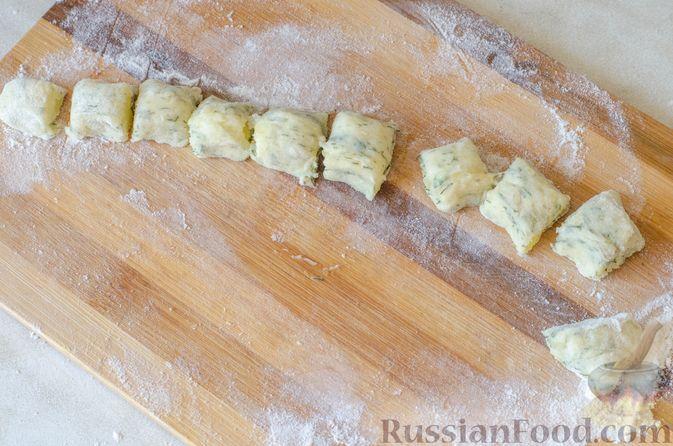 Фото приготовления рецепта: Рагу из говядины в томатном соусе, с картофельными ньокками - шаг №15