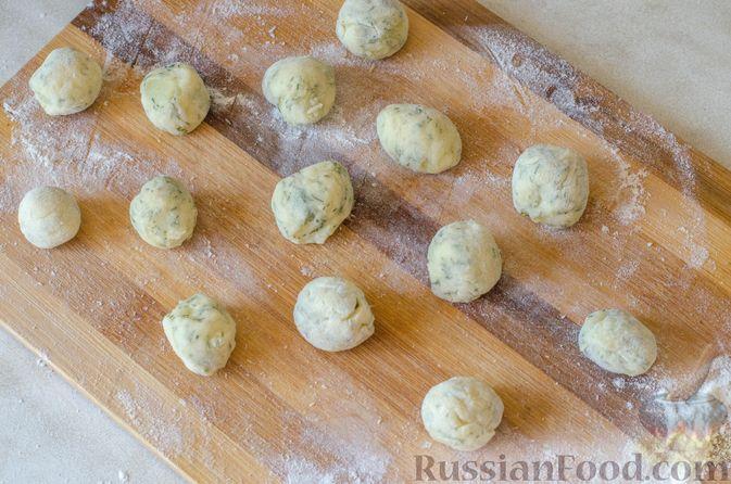Фото приготовления рецепта: Рагу из говядины в томатном соусе, с картофельными ньокками - шаг №16
