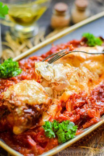 Фото приготовления рецепта: Хек, запечённый с помидорами и луком, под соусом бешамель (в рукаве) - шаг №19
