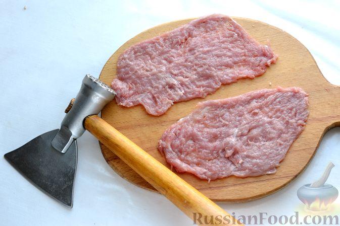 Фото приготовления рецепта: Голубцы со свиниными отбивными и грибами, без риса (в духовке) - шаг №9