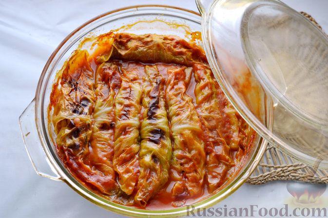 Фото приготовления рецепта: Голубцы со свиниными отбивными и грибами, без риса (в духовке) - шаг №16