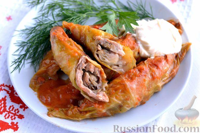 Фото приготовления рецепта: Голубцы со свиниными отбивными и грибами, без риса (в духовке) - шаг №17