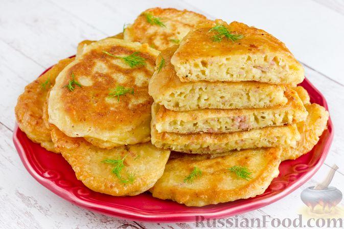 Фото к рецепту: Оладьи с ветчиной и сыром