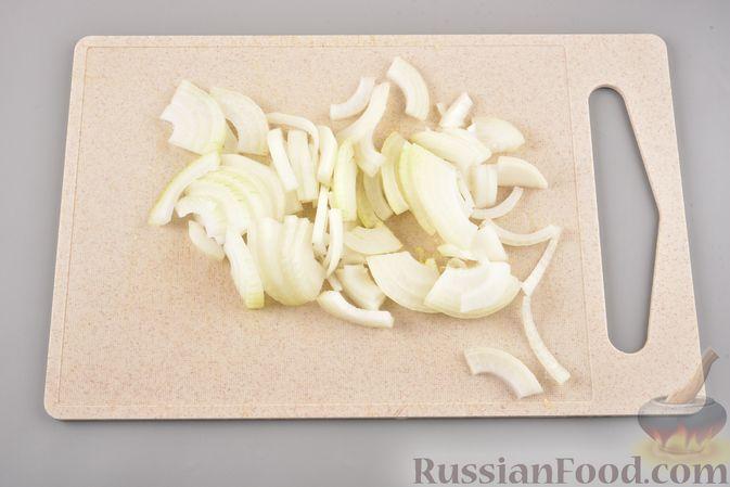 Фото приготовления рецепта: Хек, запечённый с кабачком и морковью (в рукаве) - шаг №3