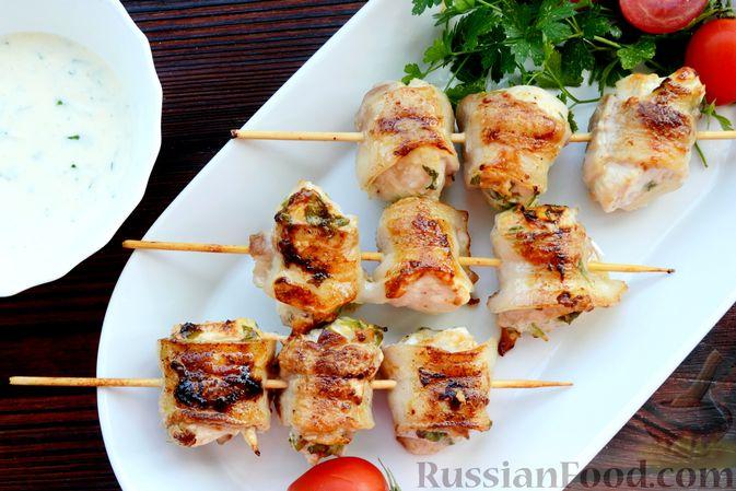 Фото приготовления рецепта: Шашлычки из куриного филе в йогуртовом маринаде, с беконом - шаг №13