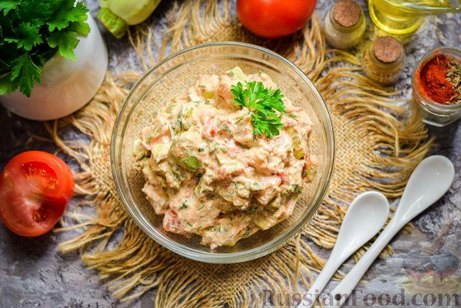 Фото приготовления рецепта: Кабачки с помидорами и зеленью, тушенные в сметане - шаг №12
