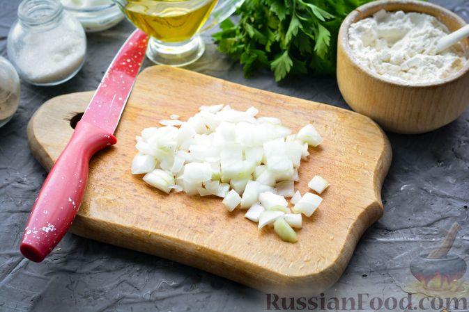 Фото приготовления рецепта: Тефтели из риса и крабовых палочек, запечённые в овощном соусе - шаг №3
