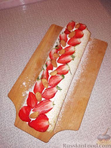 Фото приготовления рецепта: Полосатый салат с сельдью и свёклой - шаг №8