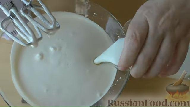 """Фото приготовления рецепта: Кекс """"Зебра"""" на кефире и растительном масле - шаг №3"""