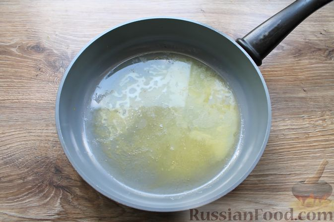 Фото приготовления рецепта: Бефстроганов из свинины в сливочно-томатном соусе - шаг №5