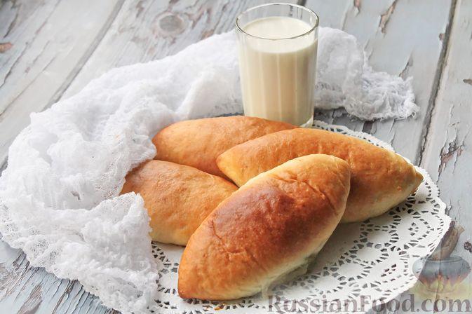 Фото к рецепту: Дрожжевые пирожки со щавелем