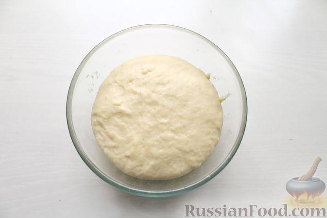 """Фото приготовления рецепта: Салат """"Оливье"""" с красной рыбой - шаг №2"""
