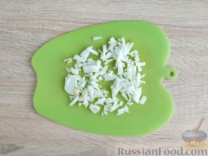 Фото приготовления рецепта: Запечённые куриные котлеты с кабачком и морковью - шаг №3