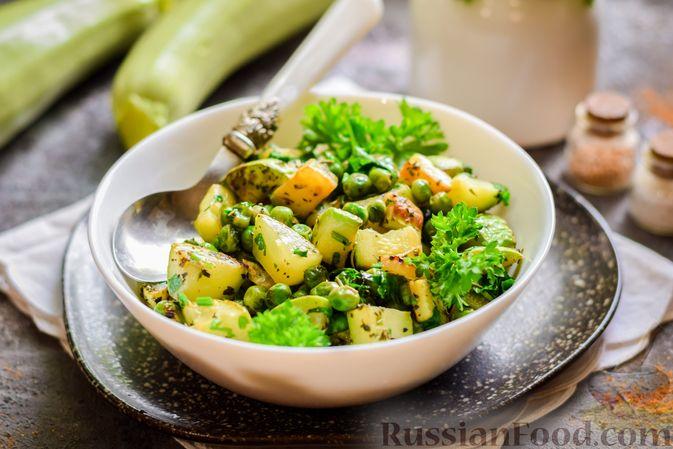 Фото приготовления рецепта: Кабачки, тушенные с зелёным горошком - шаг №10
