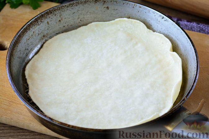 Фото приготовления рецепта: Лаваш из заварного теста, с яичной начинкой (на сковороде) - шаг №7
