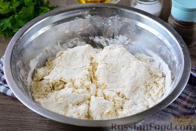 Фото приготовления рецепта: Лаваш из заварного теста, с яичной начинкой (на сковороде) - шаг №3
