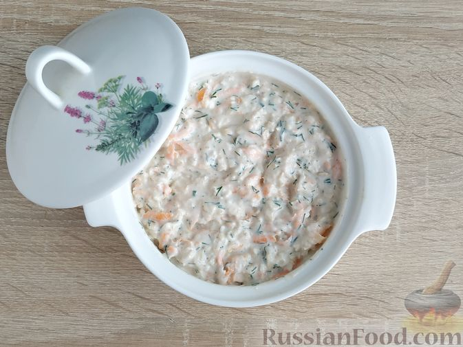 Фото приготовления рецепта: Несладкая ленивая овсянка с морковью и зеленью - шаг №10