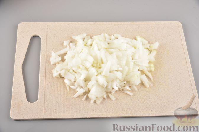 Фото приготовления рецепта: Мясные котлеты с болгарским перцем, запечённые в грибном соусе - шаг №7