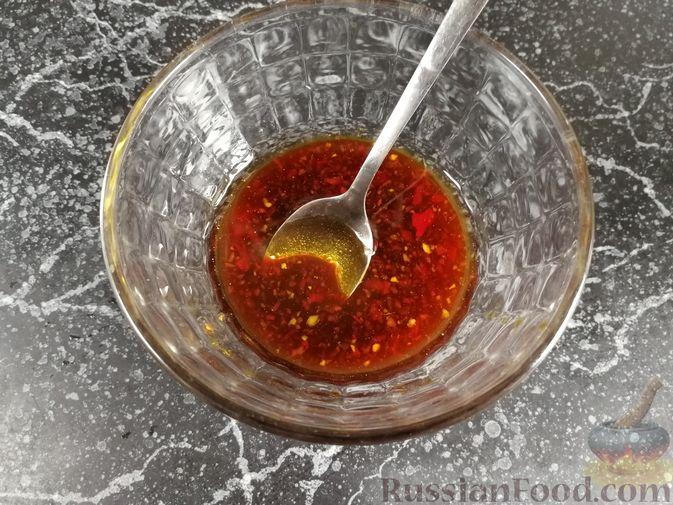 Фото приготовления рецепта: Жареная капуста с фаршем и имбирём,  в пикантном соусе - шаг №8