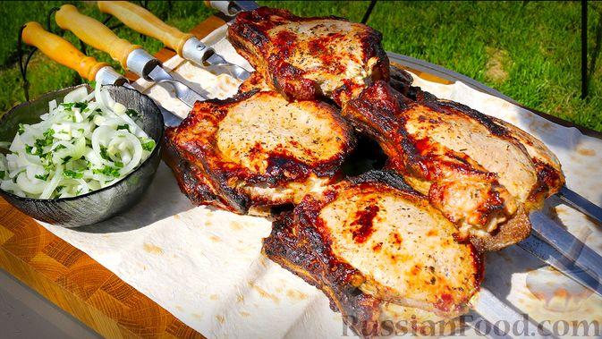 Фото к рецепту: Шашлык из свиной корейки на кости, по-армянски