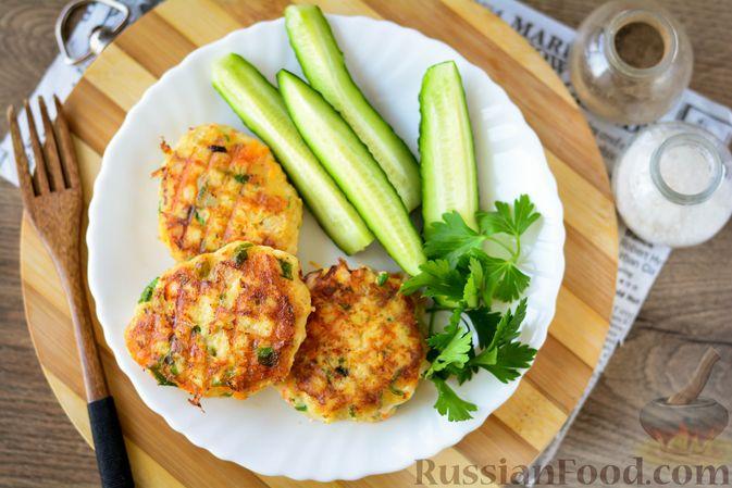 Фото приготовления рецепта: Котлеты из хека с морковью - шаг №14