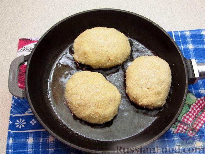 Фото приготовления рецепта: Рыбные зразы с плавленым сыром - шаг №13