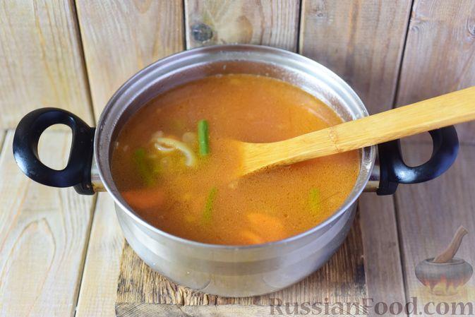 Фото приготовления рецепта: Фасолевый суп с клецками - шаг №10