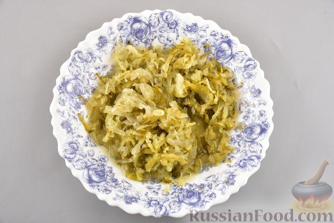 Фото приготовления рецепта: Икра из солёных огурцов и моркови - шаг №4